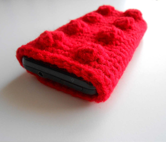crochet-lego-block-cell-phone-case