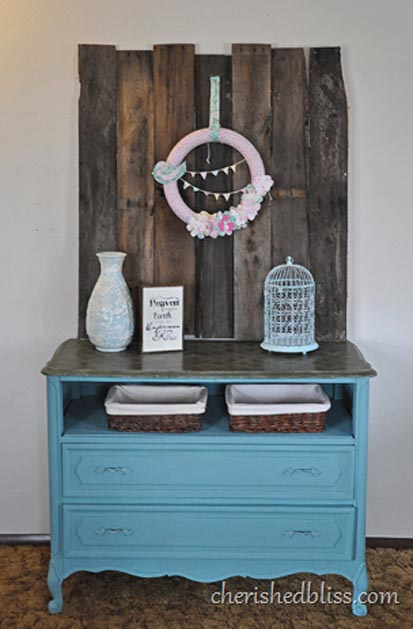 37---Cherished-Bloss---Entry-Way-Pallet-Decor