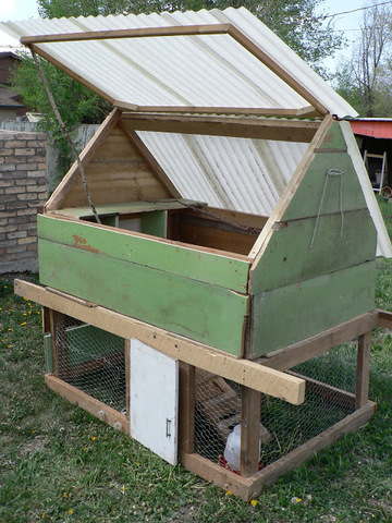 how to turn a stable into a chicken coop