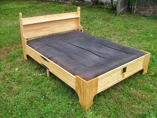 finished-diy-bench-to-bed